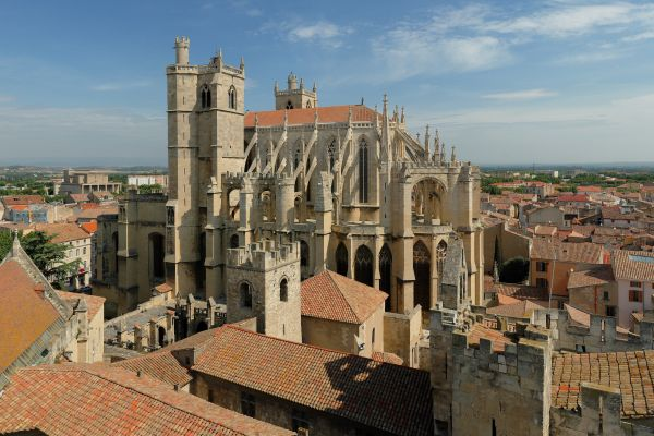 chateau-marcel-website-view-of-narbonne-cathedral3AAE2540-5FAE-1B95-FBE9-A77DD2F3B8B1.jpg